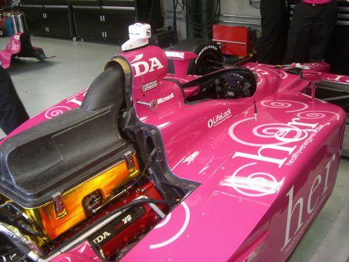 tn_Pink car