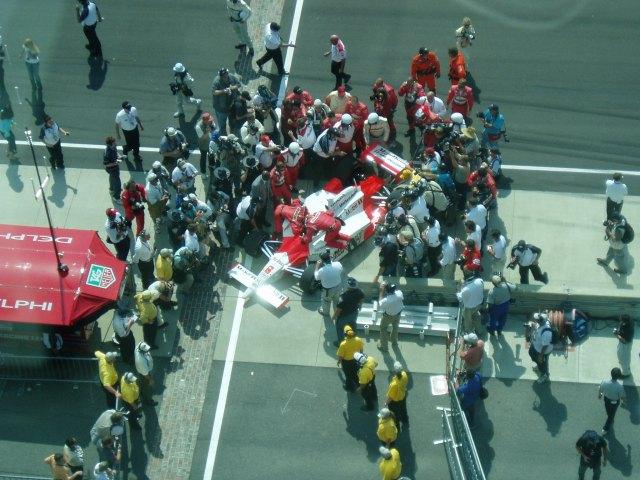 Sam Hornish Jr pulls into victory lane-2006